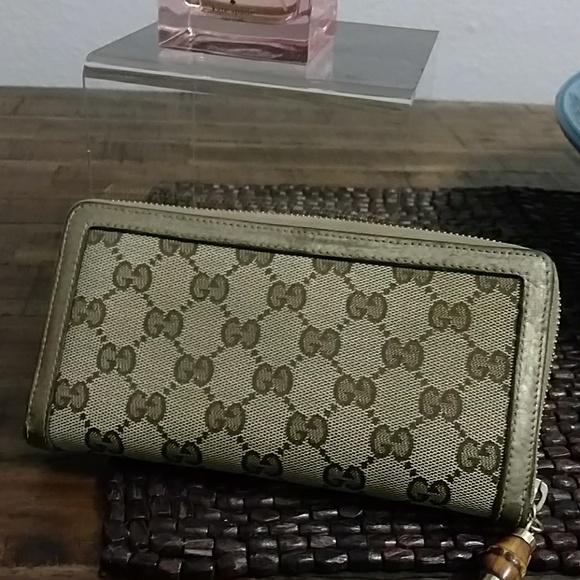 5630899626f1 Gucci Handbags - Authentic Gucci women's wallet